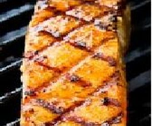 Grilled Salmon with Soy Sauce Marinade