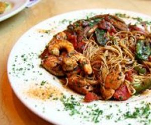 Shrimp with Pasta and Tomatoes